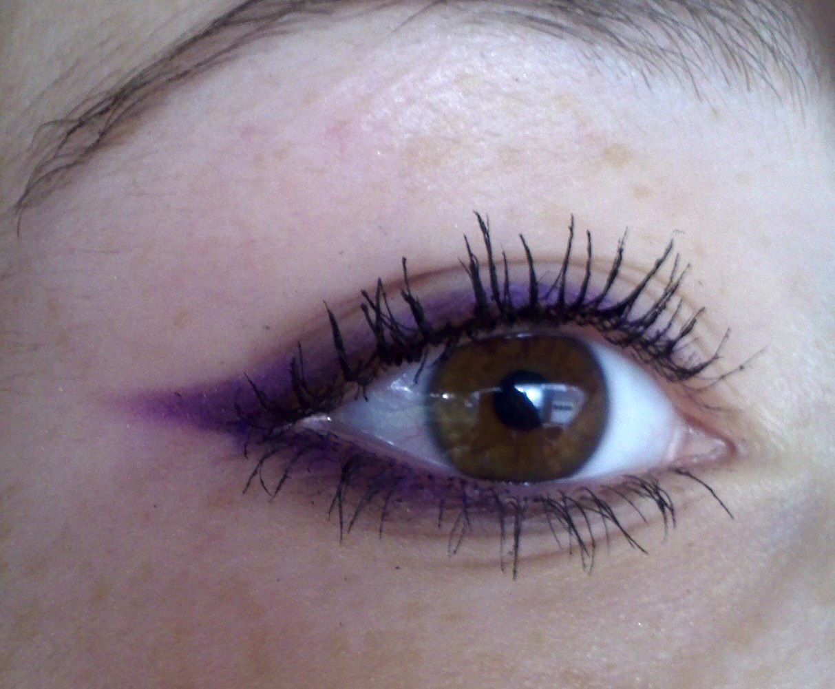 Colored Eyeliner (And a trick to make any color you want) - Gena Marie